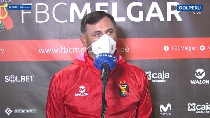 """Carlos Bustos tras la caída de Melgar: """"No merecíamos perder este partido"""" (VIDEO)"""