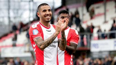 Eredivisie: Sergio Peña asistió en la goleada del FC Emmen sobre el Venlo (VIDEO)