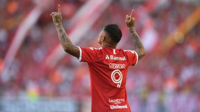 Internacional: Paolo Guerrero le anotó al Flamengo por el Brasileirao