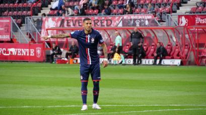 Sergio Peña y Miguel Araujo jugaron 90 minutos en empate del Emmen