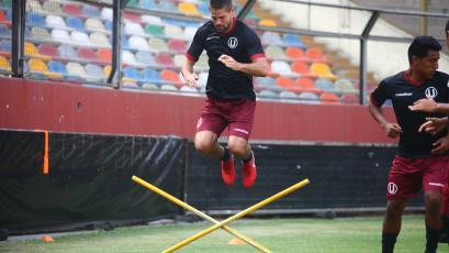 Universitario de Deportes sigue entrenando para su debut ante Sport Rosario