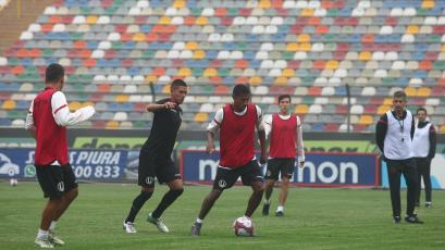 Universitario de Deportes entrenó y viajó para el encuentro ante Unión Comercio