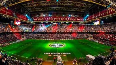 Sistema de robots y alentar a los equipos en los estadios de manera virtual