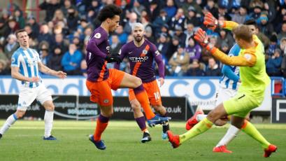 Manchester City cumple con los deberes y golea al Huddersfield