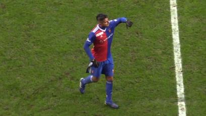 Carlos Zambrano volvió a ser titular en amistoso del Basilea