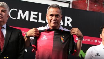 Hernán Torres fue presentado oficialmente en FBC Melgar