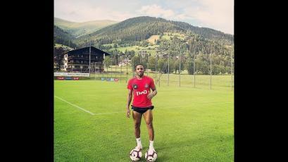 Jefferson Farfán se incorporó a la pretemporada del Lokomotiv