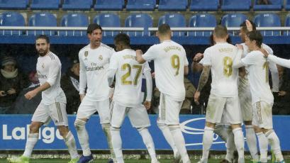 Real Madrid superó al Alavés y quedó como único líder de La Liga