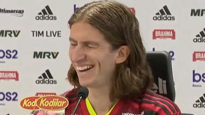 Filipe Luis: peculiar sonido de WhatsApp interrumpió su presentación en Flamengo (VIDEO)