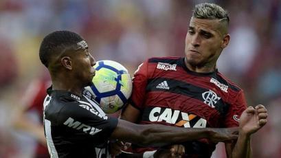 Miguel Trauco fue titular en triunfo del Flamengo en el Brasileirao