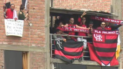 Hincha Israelita y fanáticos del Flamengo se las ingeniaron para ver práctica en la Videna