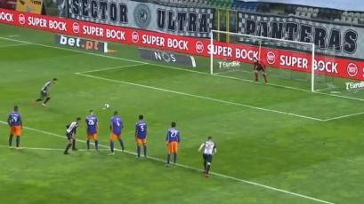 Gustavo Dulanto: Boavista perdió un increíble penal en el regreso del fútbol en Portugal (VIDEO)