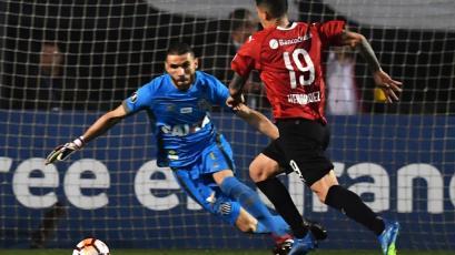 Independiente se clasifica a cuartos de final en medio de actos de violencia