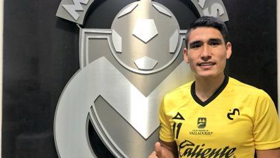 Irven Ávila luce la camiseta del Morelia y se unió a la pretemporada