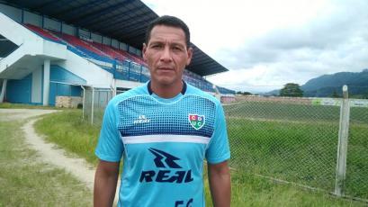 Unión Comercio oficializó a Italo Manzo como entrenador