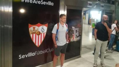 Sevilla de España fichó al mexicano Javier 'Chicharito' Hernández por 8 millones de euros (VIDEO)