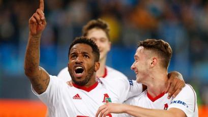Jefferson Farfán marcó extraño gol y dio asistencia en triunfo 3-1 del Lokomotiv Moscú (VIDEO)