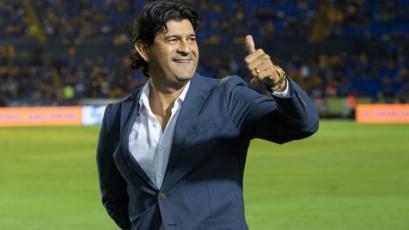 José Saturnino Cardozo es el nuevo DT de Chivas de Guadalajara