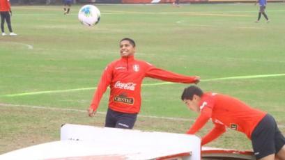Selección Peruana: Kevin Quevedo, felicidad pura y motivación al tope en la práctica (VIDEO)