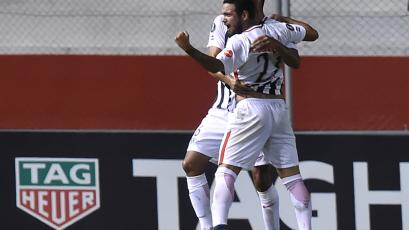 Libertad goleó a The Strongest (3-0)