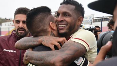 Universitario 3-2 Cienciano: tras el pitazo final, así fue la celebración a ras de cancha que nadie vio (VIDEO)
