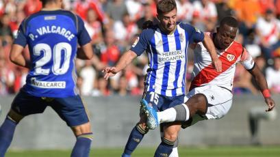 Rayo Vallecano 1-3 Ponferradina: Luis Advíncula marcó un autogol en La Liga2 de España (VIDEO)