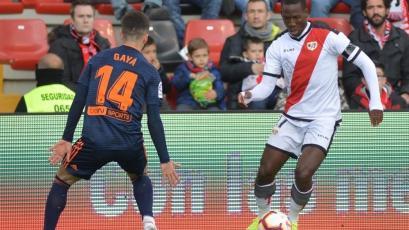 Rayo Vallecano venció 2-0 a Valencia con Luis Advíncula los 90 minutos (VIDEO)