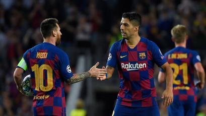 Luis Suárez le aconsejó a Lionel Messi qué hacer a dos meses de finalizar su contrato con el Barcelona