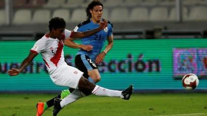 Miguel Araujo viajó a Holanda, ¿será compañero de Renato Tapia en el Feyenoord?