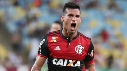 Miguel Trauco entró en la convocatoria de Flamengo para jugar la Copa de Brasil