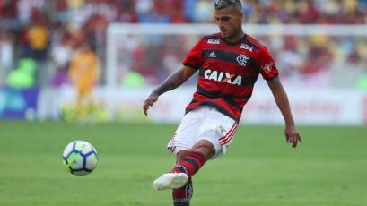 Miguel Trauco dio asistencia en goleada 6-1 de Flamengo en el Brasileirao (VIDEO)