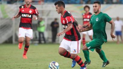 Flamengo le ganó 2-1 a Chapecoense con gran pase gol de Miguel Trauco (VIDEO)