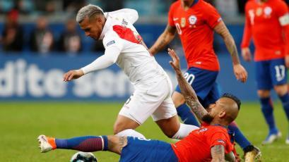 Miguel Trauco desechó oferta del Besiktas turco para jugar en este gigante alemán (VIDEO)