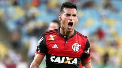 Miguel Trauco vuelve a ser titular con Flamengo