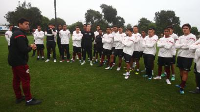 Nicolás Córdova entrenó por primera vez a Universitario de Deportes