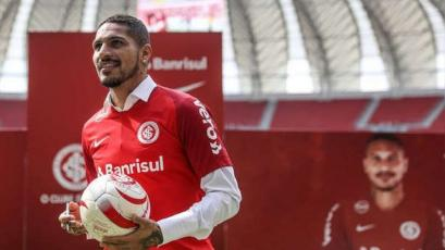 Inter de Porto Alegre le entregó el dorsal '9' a Paolo Guerrero