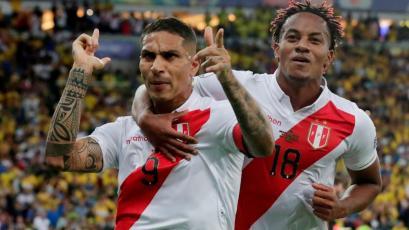 Paolo Guerrero le hizo gol a Brasil y llegó a un increíble récord con la Selección Peruana (VIDEO)