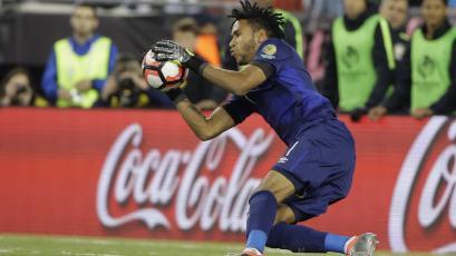Pedro Gallese anunció el tiempo que estará fuera de las canchas por lesión
