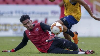 Pedro Gallese volvió a recuperarse antes de tiempo y entrenó con Veracruz