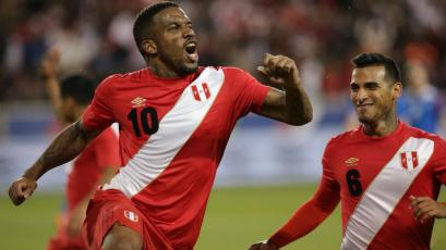 Perú derrotó con categoría a Islandia (3-1)