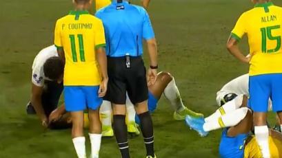 Perú vs Brasil: susto en el partido por fuerte choque entre Casemiro y David Neres (VIDEO)