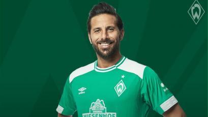 Claudio Pizarro se convirtió en el jugador más veterano en anotar en la Bundesliga