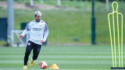 Premier League: los clubes llegaron a un acuerdo para entrenar con contacto
