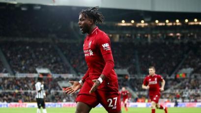Premier League: Liverpool sigue peleando por el título tras vencer al Newcastle