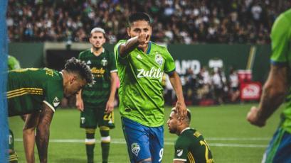 Raúl Ruidíaz le dio el triunfo a Seattle Sounders con soberbio golazo y llegó a 10 en la MLS (VIDEO)