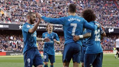 Real Madrid goleó 4-1 al Valencia en Mestalla