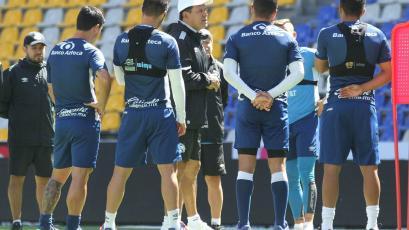Juan Reynoso y Puebla rescataron un empate con un golazo sobre la hora en México (VIDEO)