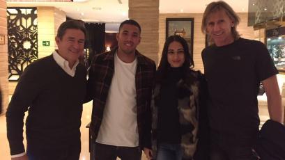 Ricardo Gareca visitó a Sergio Peña en España