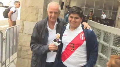 Copa Libertadores: el esfuerzo del hincha peruano para conocer al presidente de River Plate