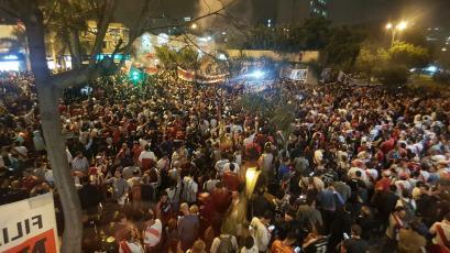 Copa Libertadores: el espectacular banderazo de hinchas de River Plate en la previa de la final